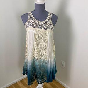 Blu pepper vintage white blue ombré lace dress